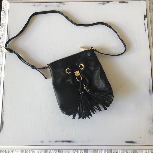 Michael Kors Handbags - Michael Kors leather side purse